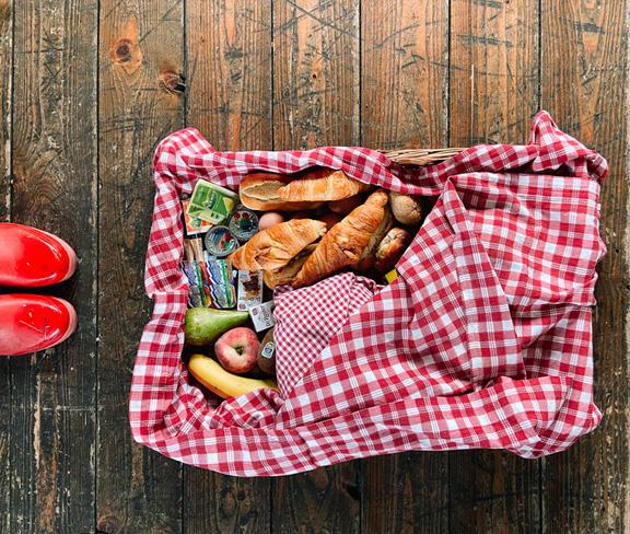 Landhoeve op de Veluwe-Breakfast basket 4P